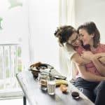 Sexo seguro entre mujeres: ¿y tú, ya te proteges?