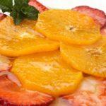 Carpaccio de naranjas y fresas