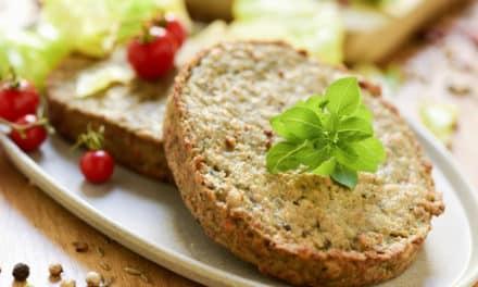 Hamburguesa de garbanzos con quinoa y verduras